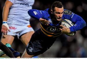 Dave Kearney, Leinster, dives to score his side's first try of the game