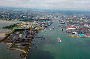 The Dublin Port Company has shelved plans to infill 20 hectares of Dublin Bay to allow for future port expansion.