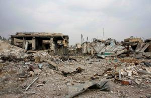 Destroyed buildings are pictured in the northern Syrian town of Kobani January 28, 2015.  REUTERS/Osman Orsal