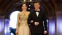 (L-R) Princess Mary of Denmark and Prince Frederik of Denmark arrive to attend a dinner hosted by Queen Beatrix of The Netherlands ahead of her abdication at Rijksmuseum on April 29, 2013 in Amsterdam, Netherlands.  (Photo by Robin Utrecht - Pool/Getty Images)