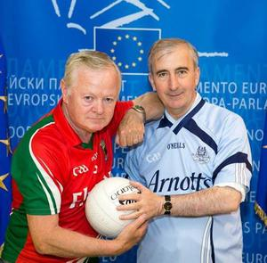 Jim Higgins Mayo MEP (L) and Gay Mitchell Dublin MEP (R) have their bets on for Sunday's clash.
