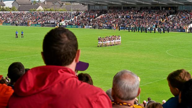21 June 2015; Wexford players stand for a minute's silence in memory of the six Irish students that died in Berkeley, USA. Leinster GAA Hurling Senior Championship, Semi-Final, Kilkenny v Wexford, Nowlan Park, Kilkenny. Picture credit: David Maher / SPORTSFILE