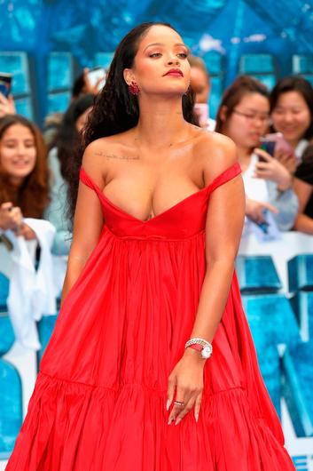 """Rihanna attends the """"Valerian And The City Of A Thousand Planets"""" European Premiere at Cineworld Leicester Square on July 24, 2017 in London, England.  (Photo by Tim P. Whitby/Getty Images)"""