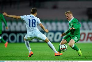 13 May 2015; Anthony Scully, Republic of Ireland, in action against Herbie Kane, England. UEFA European U17 Championship Finals Group D, Republic of Ireland v England, Stara Zagora, Bulgaria. Picture credit: Pat Murphy / SPORTSFILE