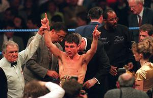 Wayne McCullough celebrates after beating Jose Luis Bueno in Dublin. Picture Credit: David Maher/SPORTSFILE
