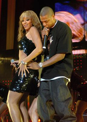 Beyonce Knowles and Jay-Z perform together in 2007
