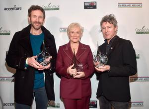 LOS ANGELES, CA - FEBRUARY 21:  Chris O'Dowd, Glenn Close and Aidan Gillen attend Oscar Wilde Awards 2019 on February 21, 2019 in Los Angeles, California.  (Photo by Alberto E. Rodriguez/Getty Images for US-Ireland Alliance)