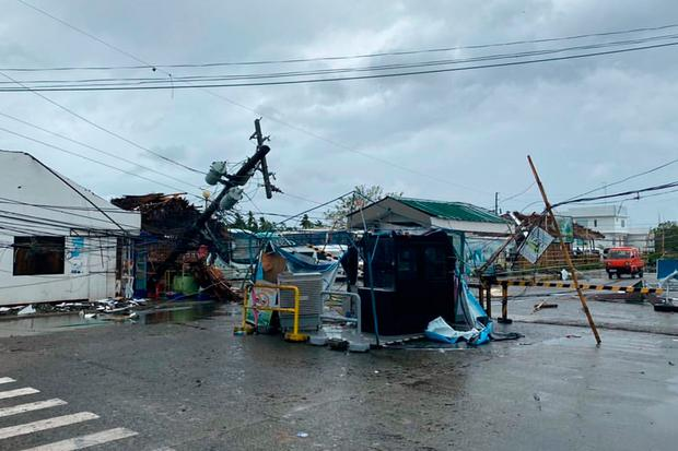 This undated handout image received courtesy of Jung Byung-joon on December 26, 2019 shows damage caused by Typhoon Phanfone outside Kalibo International Airport in Kalibo, the capital of Aklan province. (Photo by Handout / Courtesy of Jung Byung-joon / AFP)