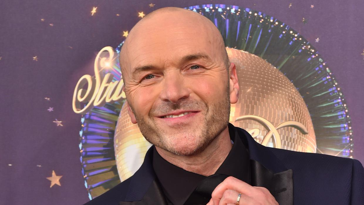 Simon Rimmer shares Spam burger recipe on Sunday Brunch as he co-hosts from home