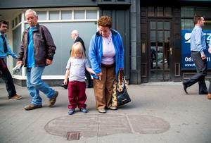 Checking out giant footprints on O'Connell Street were Ava Bourke O'Connell, 4, Hyde Road, Limerick and her Grandmother Rita McNamara, Garryowen, Limerick.  Picture: Alan Place/FusionShooters.