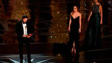 "US actor Casey Affleck (L) delivers a speech on stage next to actress Brie Larson (2ndR) after he won the Best Actor award in ""Manchester By The Sea"" at the 89th Oscars on February 26, 2017 in Hollywood, California. / AFP PHOTO / Mark RALSTONMARK RALSTON/AFP/Getty Images"