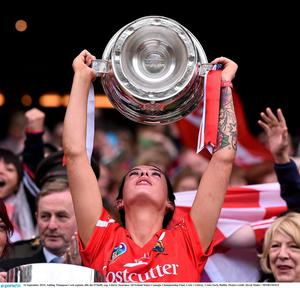 13 September 2015; Ashling Thompson Cork captain, lifts the O'Duffy cup. Liberty Insurance All Ireland Senior Camogie Championship Final, Cork v Galway. Croke Park, Dublin. Picture credit: David Maher / SPORTSFILE