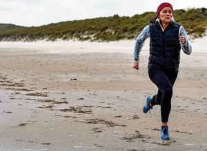 Not looking back: Irish sprinter Phil Healy goes through her training routine on Curracloe Beach, Wexford yesterday. Photo: Sam Barnes/Sportsfile