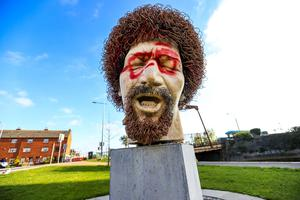 The defaced statue of Dubliners legend Luke Kelly on Seville Place in Dublin after it was attacked by vandals Picture: Gerry Mooney