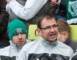 Hibernian manager Pat Fenlon argues with the fourth official Steven McLean during the Clydesdale Bank Scottish Premier League match at Easter Road. Picture: Chris Clark/PA Wire.