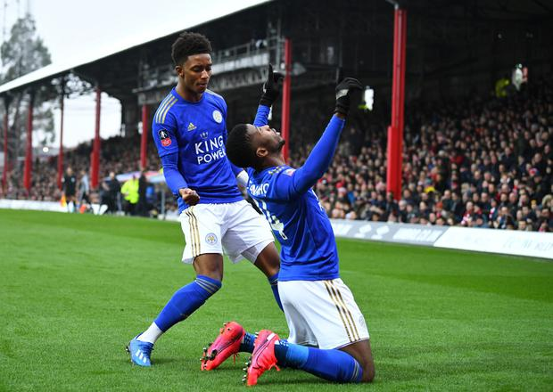 Soccer Football - FA Cup Fourth Round - Brentford v Leicester City - Griffin Park, Brentford, Britain - January 25, 2020 Leicester City's Kelechi Iheanacho celebrates scoring their first goal with teammate Demarai Gray REUTERS/Dylan Martinez