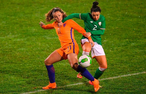 Sophie Perry-Campbell puts her best foot forward as she battles it out with Lieke Martens at Tallaght Stadium. Photo: Stephen McCarthy/Sportsfile