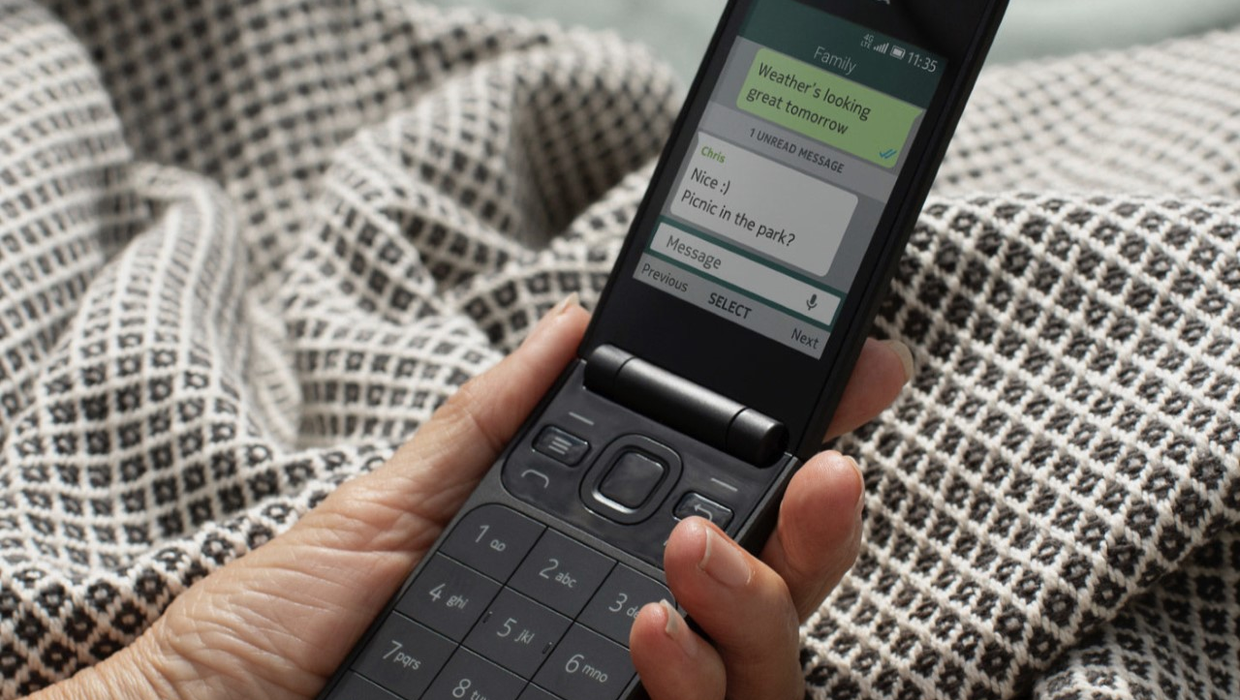 New Nokia 2720 Is A 89 Flip Phone For People Trying To Tackle Social Media Addiction Independent Ie