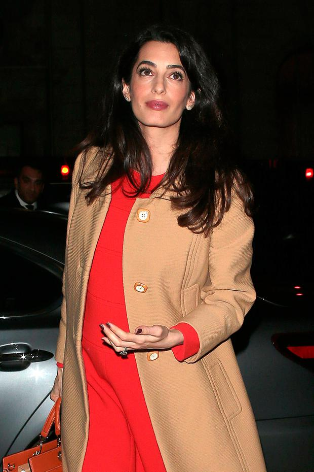 Amal Clooney arrives at Villandry restaurant after attending International crimes in Syria and Iraq - Chatham House discussion on March 29, 2017 in London, England. (Photo by Ricky Vigil M/GC Images)