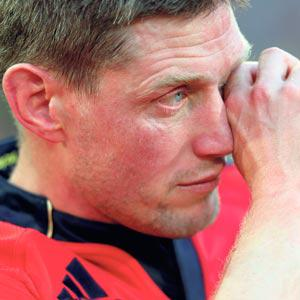 Munster's Ronan O'Gara wipes away a tear after his side's defeat to Clermont in yesterday's dramatic Heineken Cup semi-final in Montpellier.