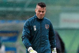Shay Given leaves the pitch after the Irish training session at Malahide yesterday. David Maher / SPORTSFILE