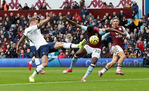 Toby Alderweireld scores an own goal giving Aston Villa the lead. Photo: Action Images via Reuters/Andrew Boyers