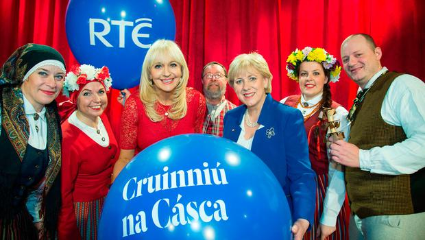 Pictured at The Photo call to launch The Cruinniú na Cásca, an new national day of culture and creativity which will take place on Easter Monday Nationwide, at RTE this morning were; Miriam O'Callaghan and Heather Humphreys, Minister for Arts, Heritage, Regional, Rural and Gaeltacht Affairs with performers. Credit: Colin O'Riordan
