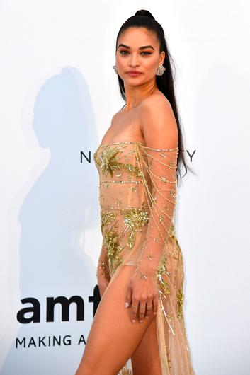 Australian model Shanina Shaik poses as she arrives on May 23, 2019 for the amfAR 26th Annual Cinema Against AIDS gala at the Hotel du Cap-Eden-Roc in Cap d'Antibes, southern France, on the sidelines of the 72nd Cannes Film Festival. (Photo by Alberto PIZZOLI / AFP)