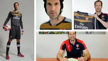 Petr Cech in his new Arsenal kit. Credit: Arsenal FC