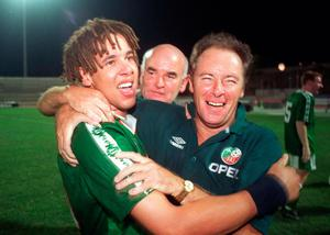 King George: Liam George with then Ireland U-18s manager Brian Kerr (right) and assistant coach Noel O'Reilly (centre) celebrate after being crowned European U-18 Champions in 1998. Photo by David Maher/Sportsfile.