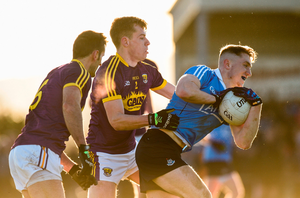 Paddy Small of Dublin in action against Jim Rossiter and Brian Malone of Wexford. Photo by Matt Browne/Sportsfile