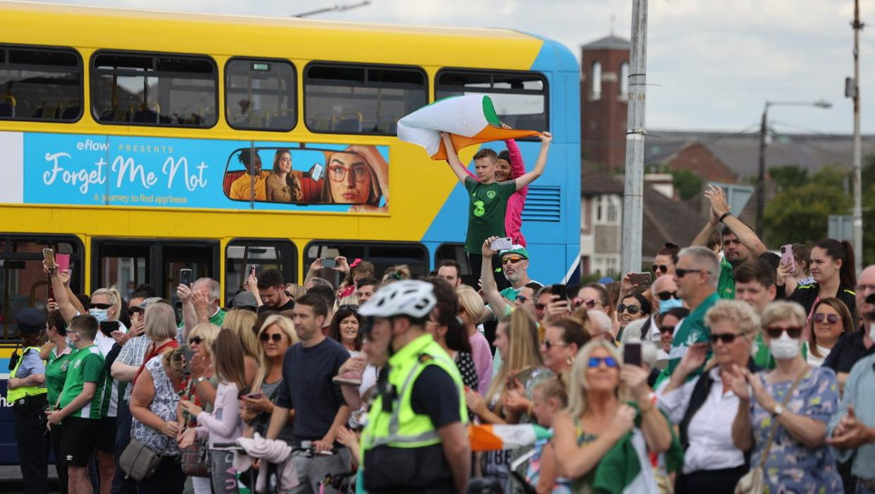Italia 90 scenes revisited as Ireland fans pay tribute to Jack Charlton at Walkinstown Roundabout