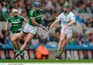 17 March 2015; Henry Shefflin, Ballyhale Shamrocks, in action against Philip O'Loughlin, Kilmallock. AIB GAA Hurling All-Ireland Senior Club Championship Final, Ballyhale Shamrocks v Kilmallock, Croke Park, Dublin. Picture credit: Piaras ? M?dheach / SPORTSFILE