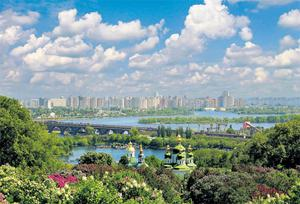 Kiev boasts leafy boulevards, gilded-domes cathedrals, and lazy afternoons on magnificent plazas.