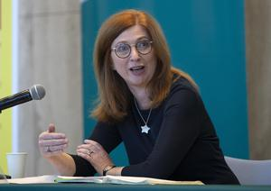 Update: Dr Siobhán Ní Bhriain, consultant psychiatrist and HSE integrated care lead, speaks at a Covid-19 press conference at the Department of Health yesterday. PHOTO: Colin Keegan/ Collins