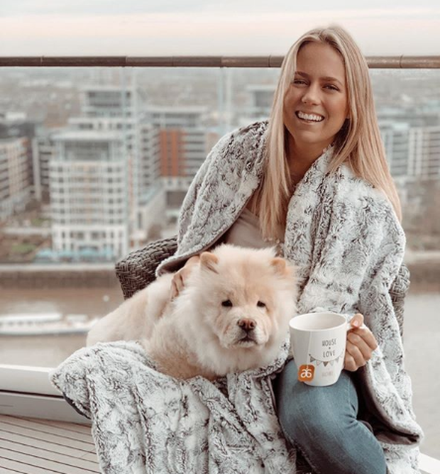 Kristen Stavridis (23) is a nutritionist and social marketer from Dublin but living in London, who recently left her 9-5 in innovation for her side hustle.