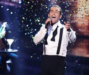 Jay James sang New York New York on Saturday night but was voted off the show last night as the vote went to deadlock