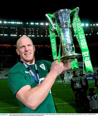 15 March 2014; Ireland captain Paul O'Connell celebrates winning the 2014 RBS six nations championship after beating France. RBS Six Nations Rugby Championship 2014, France v Ireland, Stade De France, Saint Denis, Paris, France. Picture credit: Matt Browne / SPORTSFILE
