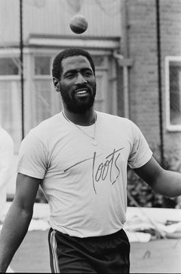 Richards in a relaxed mood off the pitch that year. Photo by Dunn/Daily Express/Hulton Archive/Getty Images