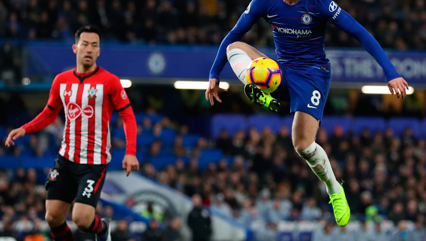 Chelsea's Ross Barkley controls the ball. Photo: Getty Images