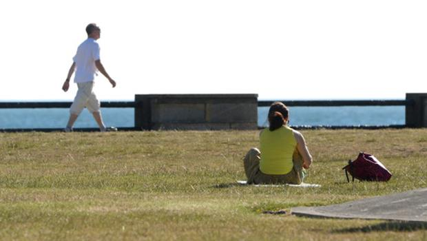 People enjoying the early morning sunshine in Dun Laoghaire Co.Dublin. Pic: Justin Farrelly.