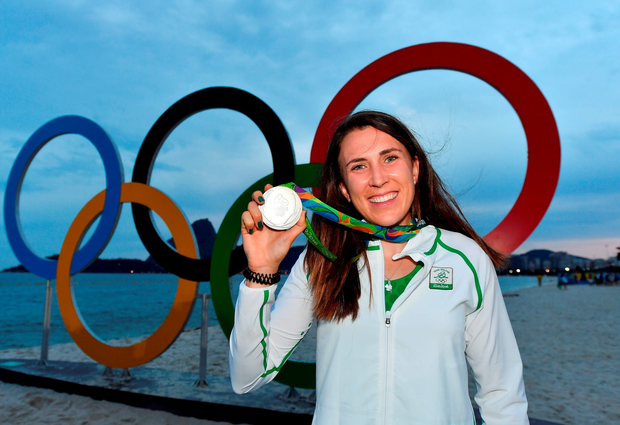 Annalise Murphy proudly shows off her silver medal. Photo by Brendan Moran/Sportsfile
