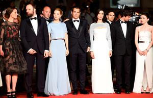 """(From L) French actress Ariane Labed, Greek director Yorgos Lanthimos, French actress Lea Seydoux, Irish actor Colin Farrell, British actress Rachel Weisz, British actor Ben Whishaw and British actress Jessica Barden pose as they arrive for the screening of the film """"The Lobster"""" at the 68th Cannes Film Festival"""