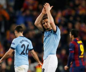 Manchester City's Frank Lampard applauds the fans at the end of the match