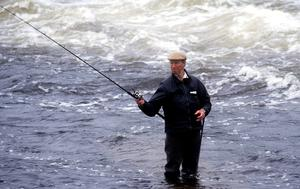 Republic of Ireland manager Jack Charlton during a fishing trip to Galway in 1993. Photo by Sportsfile