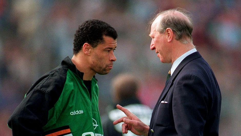 Republic of Ireland manager Jack Charlton has a word with Paul McGrath during the International Friendly match between Republic of Ireland and Germany in Stuttgart. Photo: Ray McManus/Sportsfile