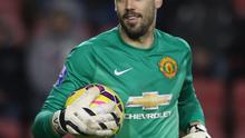 With De Gea battling to overcome a hamstring strain in time to face Hull City at the KC Stadium on Sunday, Valdes is in line to make his first start for United