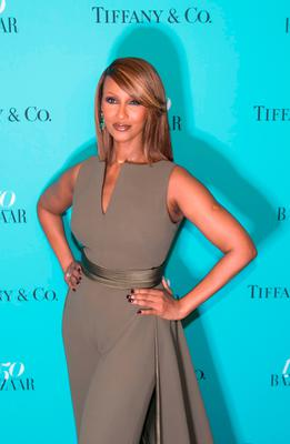 Model Iman arrives for the Harper's Bazaar and Tiffany & Co., celebration of 150 years of women, fashion and New York at The Rainbow Room, April 19, 2017 in New York.  / AFP PHOTO / Bryan R. SmithBRYAN R. SMITH/AFP/Getty Images