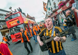 7/9/2015: Paul Berry was singing the Kilkenny hurling team to Nowlan Park during the homecoming on Kilkenny streets. Photo: Pat Moore.