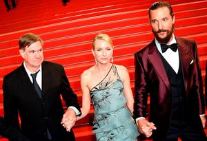"(FromL) US director Gus Van Sant, British actress Naomi Watts and US actor Matthew McConaughey pose before leaving the Festival palace after the screening of the film ""The Sea of Trees"" at the 68th Cannes Film Festival"